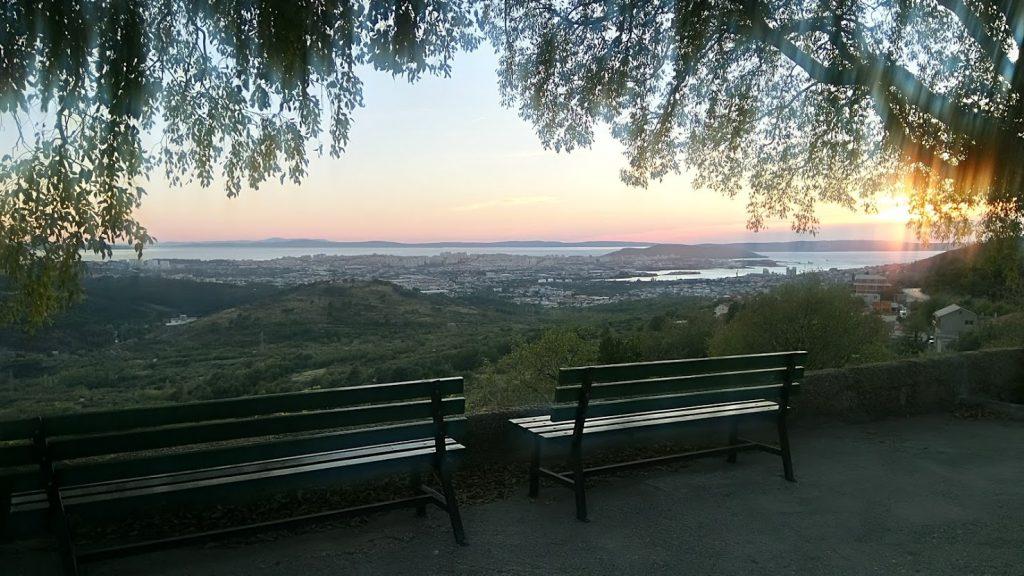 Auringonlasku Splitissä