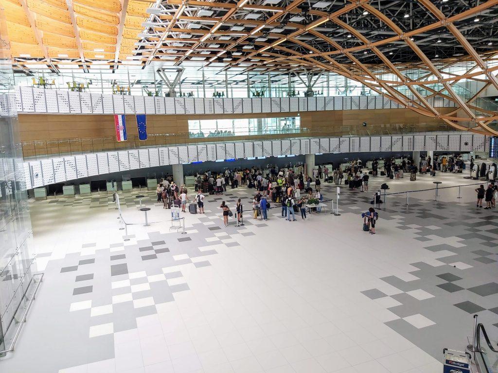 Splitin lentoasema, Kroatia